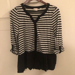 Anthropologie black and cream 3/4 sleeved shirt